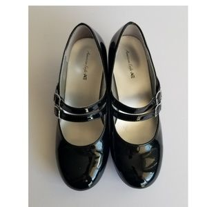 American Eagle Black Patent Leather Mary Jane Sz 1